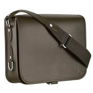 Louis Vuitton Andrei Bag – fits iPad like a glove