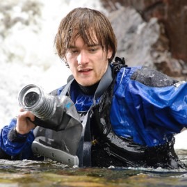 Turn your SLR into an Underwater Camera – Aquapac Camera Case