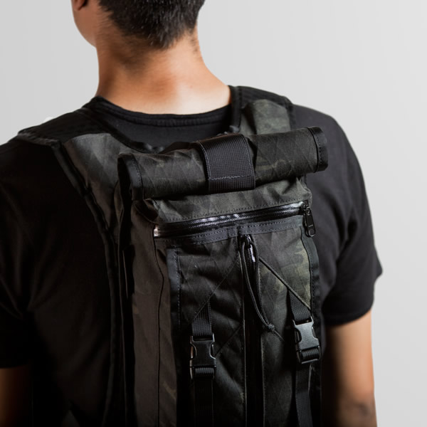 hauser-furled-camo-hydration-pack-6
